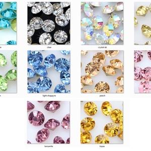 Kristály rivoli  8mm-es  4 db/cs  ÜGY-RI08, Gyöngy, ékszerkellék, Swarovski kristályok, Ékszerkészítés, Gyöngy, Kristály rivoli benfoglaláshoz, kúpos fülbevaló - medálalapba.\n\nMéret: 8mm\n\n4 db / csomag\n\nAz első f..., Meska