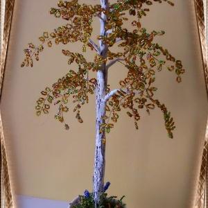 Gyöngyből készített őszi nyírfa  GYV01-2-38, Otthon & lakás, Dekoráció, Dísz, Képzőművészet, Vegyes technika, Lakberendezés, Asztaldísz, Gyöngyfűzés, gyöngyhímzés, Virágkötés, Az őszi fa a természet csodája. Ezt a  gyöngyből megformált nyírfát a kora ősz színei ihlették. Az a..., Meska