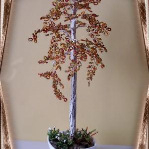 Gyöngyből készített őszi nyírfa  GYV01-3-33, Otthon & lakás, Dekoráció, Dísz, Képzőművészet, Vegyes technika, Lakberendezés, Asztaldísz, Gyöngyfűzés, gyöngyhímzés, Virágkötés, Az őszi fa a természet csodája. Ezt a  gyöngyből megformált nyírfát a kora ősz színei ihlették. Az a..., Meska