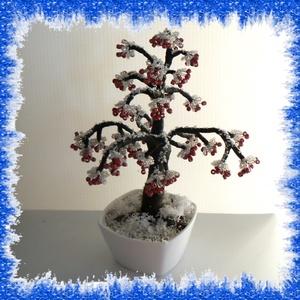 Gyöngyből készített téli fa  GYV18-1, Otthon & lakás, Dekoráció, Dísz, Képzőművészet, Vegyes technika, Lakberendezés, Asztaldísz, Gyöngyfűzés, gyöngyhímzés, Virágkötés, Ez a  gyöngyből megformált fa tél hangulatát idézi. Az asztaldíszt kerámia  tálkába helyeztem el. A ..., Meska