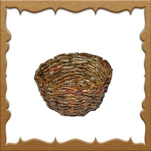 Papírfonással készült kosárka KK03 4,5x11, Otthon & Lakás, Tárolás & Rendszerezés, Tárolókosár, Fonás (csuhé, gyékény, stb.), Újrahasznosított alapanyagból készült termékek, A kosárkát újrahasznosítható papírból készítettem. Keményítés, festés és lakkozás után megtévesztési..., Meska