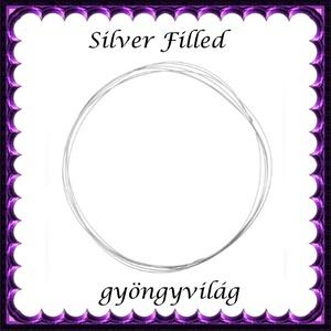 Silver Filled huzal EH 0,3mm-es 1cm, Gyöngy, ékszerkellék, Egyéb alkatrész, Ékszerkészítés, Gyöngy, Silver Filled\n0,3mm vastag ezüsttel bevont huzal.\n\n\nA huzal alkalmas drótékszerek készítésére.\nHajlí..., Meska