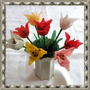 1 szál gyöngyből készített tulipán több színben GYV26-3, Otthon & lakás, Dekoráció, Dísz, Képzőművészet, Vegyes technika, Lakberendezés, Asztaldísz, Gyöngyfűzés, gyöngyhímzés, Virágkötés,  Ez a gyöngyből megformált tulipánszinte élethű mása az eredetinek. \n\nAz ár 1 szálra vonatkozik.\n\nA ..., Meska