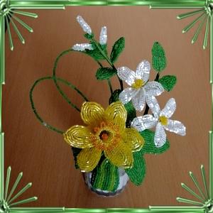 Gyöngyből készített virág kompozíció GYV28, Otthon & Lakás, Csokor & Virágdísz, Dekoráció, Gyöngyfűzés, gyöngyhímzés, Meska