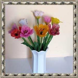1 szál gyöngyből készített tulipán több színben GYV25-1, Otthon & lakás, Dekoráció, Dísz, Képzőművészet, Vegyes technika, Lakberendezés, Asztaldísz, Gyöngyfűzés, gyöngyhímzés, Virágkötés,  Ez a gyöngyből megformált tulipánszinte élethű mása az eredetinek. \n\nAz ár 1 szálra vonatkozik.\n\nA ..., Meska