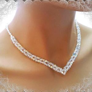 Esküvői, menyasszonyi nyaklánc, swarovszki kristály SL-ESW02-1, Ékszer, Nyaklánc, Esküvő, Esküvői ékszer, Ékszerkészítés, Gyöngyfűzés, gyöngyhímzés, Ezt a elegáns, nemesen egyszerű nyakláncot 4-es swarovszki crystal AB bevonatos bikonból készítettem..., Meska