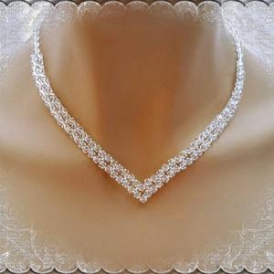 Esküvői, menyasszonyi nyaklánc, swarovszki kristály SL-ESW02-2, Ékszer, Nyaklánc, Esküvő, Esküvői ékszer, Ékszerkészítés, Gyöngyfűzés, gyöngyhímzés, Ezt a elegáns, nemesen egyszerű nyakláncot 4-es swarovszki clear crystal bikonból készítettem.\nA lán..., Meska