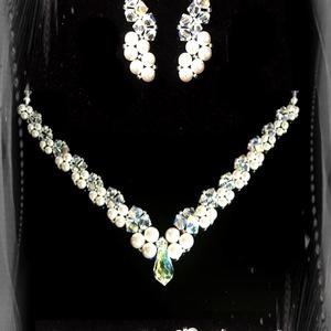 Esküvői, menyasszonyi, alkalmi ékszer szett, swarovszki kristály SSZ-ESW01-1, Ékszer, Nyaklánc, Esküvő, Esküvői ékszer, Ékszerszett, Ékszerkészítés, Gyöngyfűzés, gyöngyhímzés, Ezt a elegáns,  különleges formájú szettet 4-5-6 és 8mm-es-es swarovszki gyöngyből, crystal AB bevon..., Meska