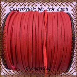 Ékszerkellék:hasított valódi bőr szál FSZ01-3 piros, Gyöngy, ékszerkellék, Egyéb alkatrész, Ékszerkészítés, Fűzőszál, Fehér 3mm-es hasított bőr szál méterben.\n\n\nA méreteket a fotón láthatod!\n\n\nAr ár 1cm bőrre vonatkozi..., Meska