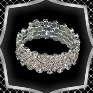 Négy soros kristály karkötő ES-K04-4e fehér, Ékszer, Karkötő, Széles karkötő, Ékszerkészítés, Gyöngyfűzés, gyöngyhímzés, Meska