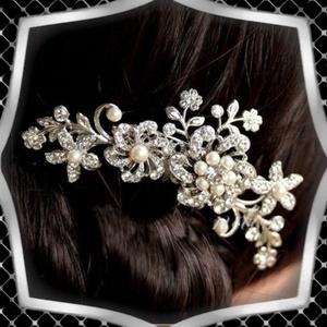 Ékszerek-hajdíszek, hajcsatok: Esküvői, menyasszonyi, alkalmi hajdísz ES-H-FÉ23e, Esküvő, Hajdísz, Fésűs hajdísz, Ékszerkészítés, Gyöngyfűzés, gyöngyhímzés, Meska