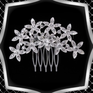 Ékszerek-hajdíszek, hajcsatok: Esküvői, menyasszonyi, alkalmi hajdísz ES-H-FÉ25e, Esküvő, Hajdísz, Fésűs hajdísz, Ékszerkészítés, Gyöngyfűzés, gyöngyhímzés, Meska