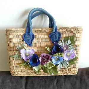 Nyári táskák, Táska, Divat & Szépség, Táska, Válltáska, oldaltáska, Virágkötés, A szalmatáskákat sok virággal díszítettem, így egyedi kiegészítőre tehetsz szert. , Meska