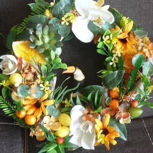 Trópusi nyár, A szalmakoszorút egy kakaduval és sok-sok növénnyel, virággal, levéllel díszítettem. Igazi trópusi h..., Meska