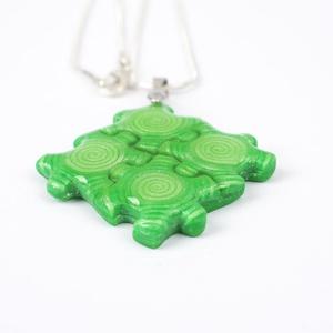 Zöld puzzle nyaklánc (gyurmaland) - Meska.hu