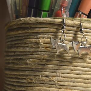 """Rókás fülbevaló, Ékszer, Fülbevaló, Ékszerkészítés, Egyedi, kézzel összerakott,rókás fülbevaló műanyag \""""stopperrel\"""" a hátulján\nMérete: 3 cm\nSaját tervez..., Meska"""
