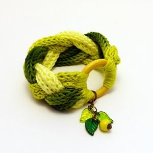 zöld és sárga fonott karkötő / kötött ékszer (habcsi) - Meska.hu