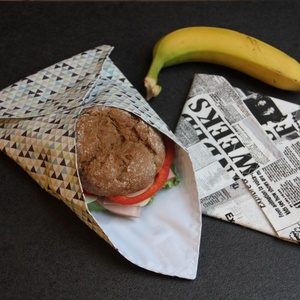 Újra-szalvéta (újságos-geometrikus), NoWaste, Textilek, Textil tároló, Varrás, 2 db vízhatlan béléssel ellátott, tépőzárral záródó, szendvics csomagolására szolgáló pamutvászon sz..., Meska