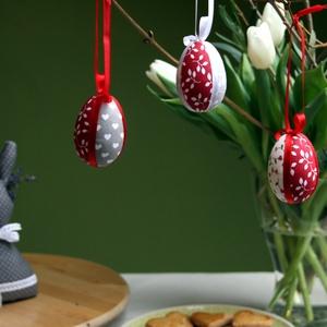 Patchwork tojások (piros), Otthon & lakás, Dekoráció, Ünnepi dekoráció, Húsvéti díszek, Visszafogott színvilágú húsvéti díszítőelemek elengedhetetlen darabja ez a 3 darabos tojás szett. Hu..., Meska