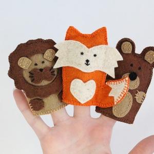 Oroszlán, róka, medve gyapjúfilc ujjbábok, Játék & Gyerek, Bábok, Ujjbáb, Hímzés, Varrás, Oroszlán, róka, medve filc ujjbábok. \n\nMinőségi gyapjúfilc anyagból, aprólékosan kidolgoztam, teljes..., Meska