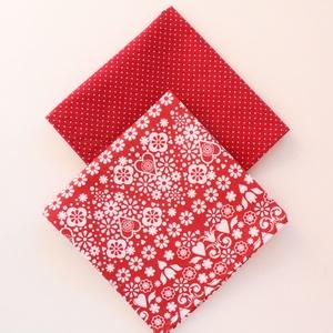 2 db textil szalvéta, 100% pamutvászon - piros alapon fehér virágos, szerelmes szívecskés és fehér apró pöttyös mintával, Otthon & Lakás, Konyhafelszerelés, Szalvéta, Varrás, Meska