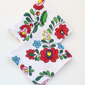 2 db textil szalvéta, 100% pamutvászon - fehér alapon kalocsai motívummal, Otthon & Lakás, Konyhafelszerelés, Szalvéta, Varrás, Meska
