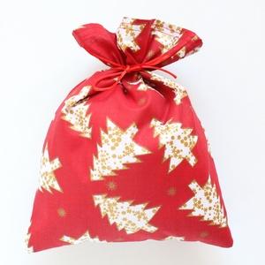 Ajándék átadó vagy Mikulás vászon zsák, piros alapon fehér-arany karácsonyfás mintával, NoWaste, Karácsony, Gyerek & játék, Bevásárló zsákok, zacskók , Ajándékzsák, Varrás, Ajándék átadó vagy Mikulás vászon zsák, piros alapon fehér-arany karácsonyfás mintával.  Sok szeret..., Meska