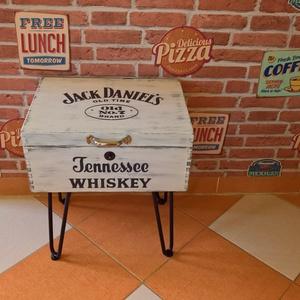 Jack Daniel\'s whiskey vintage komód, Férfiaknak, Legénylakás, Otthon & lakás, Bútor, Komód, Lakberendezés, Tárolóeszköz, Láda, Famegmunkálás, Festett tárgyak, Régi ládából készült komód. Csiszolás után barna festékkel lett alapozva, majd fehér színre lett lef..., Meska