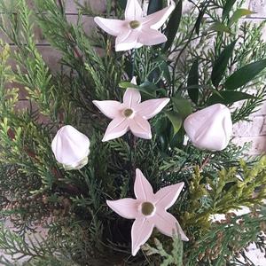 5db-os Fehér Bimbós és Nyíló Kerámia Virág(tp.20), Esküvő, Esküvői dekoráció, Lakberendezés, Otthon & lakás, Dekoráció, Kerámia, Virágkötés, Szedj egy csokrot a virágos kertemből!Fehér agyagból aprólékos kézi munkával készült mázas kerámia v..., Meska