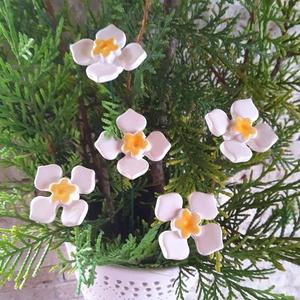 5 db Kis Kerámia Virág (tp.26), Csokor & Virágdísz, Dekoráció, Otthon & Lakás, Kerámia, Virágkötés,  Szedj egy  csokrot  a virágos kertemből!  Egész évben üde színfoltja lehet otthonodnak.A csokrot ki..., Meska