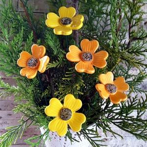 """,5 db Élénk Sárga\""""  Kerámia Virág (tp-33), Otthon & lakás, Lakberendezés, Kerti dísz, Kerámia, Virágkötés,  Szedj egy  csokrot  a virágos kertemből!  Egész évben üde színfoltja lehet otthonodnak.A csokrot ki..., Meska"""