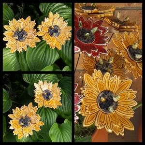 """,Sárga Egzotikus Virágom\""""2db Kerámia Virág, Otthon & lakás, Lakberendezés, Dekoráció, Kerti dísz, Kerámia, Virágkötés, Nagyobb virágokat is készítettem kert szépítéshez.Mikor már, vagy még nem színes a kert, ragyogó szí..., Meska"""