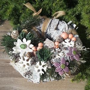 """,December\""""Kerámia Virágos,Kopogtató Ajtódísz, Otthon & Lakás, Karácsony & Mikulás, Karácsonyi kopogtató, Kerámia, Virágkötés,  Üdvözöljük a hozzánk érkezőt egy igazán szép ajtódísszel!Fehér agyagból aprólékos kézi munkával ,sz..., Meska"""