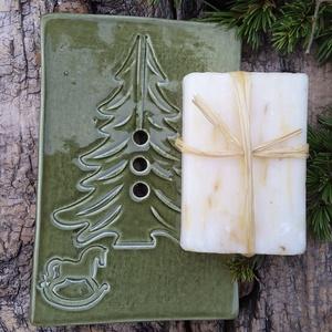 """,Karácsony napjára\""""Kerámia Szappantartó, Otthon & Lakás, Fürdőszoba, Szappantartó, Kerámia, Hasznos,apró ajándék,kedvesség.Fehér agyagból lapnyújtással,kézi formázással készítettem majd másodi..., Meska"""