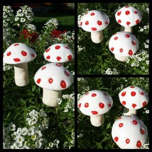 """,Gombák\""""Kerámia Kerti,Lakás Dísz, Otthon & lakás, Lakberendezés, Dekoráció, Kerti dísz, Kerámia, Virágkötés, Szép színfolt ,kedves kerti dekoráció.Olyan kert részekre ajánlom ahol egyéb színes élő virág nem él..., Meska"""