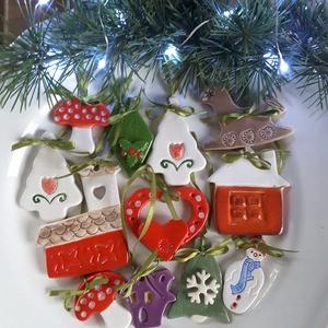 """,Színes Karácsony\""""Kerámia  Karácsonyfadísz, Karácsony & Mikulás, Karácsonyfadísz, Kerámia, Az ünnep még meghittebbé  tehető kedves karácsonyi dekorációval.Fehér agyagból kézzel formáztam  eze..., Meska"""