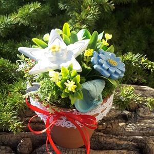 """,Óvónénik Ajandéka\""""Kerámia Virágos  Asztaldísz( B), Otthon & Lakás, Dekoráció, Asztaldísz, Kerámia, Virágkötés, Fehér agyagból aprólékos kézi munkával készült kerámia virágok ,levelek  melyeket második égetés elő..., Meska"""