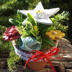 """,Óvónénik Ajandéka\""""Kerámia Virágos  Asztaldísz( D), Otthon & Lakás, Dekoráció, Asztaldísz, Kerámia, Virágkötés, Fehér agyagból aprólékos kézi munkával készült kerámia virágok ,levelek  melyeket második égetés elő..., Meska"""