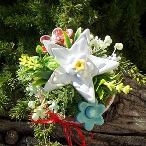 """,Óvónénik Ajandéka\""""Kerámia Virágos  Asztaldísz( E), Otthon & Lakás, Dekoráció, Asztaldísz, Kerámia, Virágkötés, Fehér agyagból aprólékos kézi munkával készült kerámia virágok ,levelek  melyeket második égetés elő..., Meska"""
