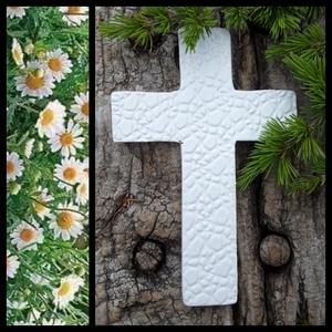 """,Egyszerű Fehér\""""Kerámia Kereszt, Otthon & Lakás, Spiritualitás & Vallás, Kereszt, Kerámia, A kereszt emlékeztető,hogy sose feledjük valaki velünk van,aki mindig erőt ad nekünk ! Fehér agyagbó..., Meska"""