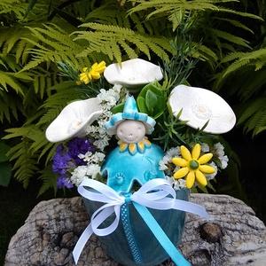 """,Fehér Pipacsok""""Kerámia Virágos  Asztaldísz, Otthon & Lakás, Dekoráció, Asztaldísz, Fehér agyagból aprólékos kézi munkával készült kerámia virágok ,levelek és egy kis virágtündér. Mely..., Meska"""