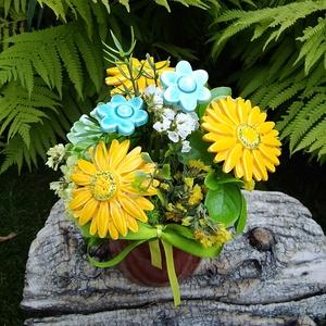 """,Sárga Gerberák """"Kerámia Virágos  Asztaldísz, Otthon & Lakás, Dekoráció, Asztaldísz, Fehér agyagból aprólékos kézi munkával készült kerámia virágok ,levelek melyeket második égetés előt..., Meska"""