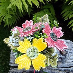 """,Nagy Virágok """"Kerámia Virágos  Asztaldísz, Otthon & Lakás, Dekoráció, Asztaldísz, Fehér agyagból aprólékos kézi munkával készült kerámia virágok ,levelek   melyeket második égetés el..., Meska"""
