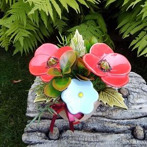 """,Pipacsok """"Kerámia Virágos  Asztaldísz(b), Otthon & Lakás, Dekoráció, Asztaldísz, Fehér agyagból aprólékos kézi munkával készült kerámia virágok ,levelek  melyeket második égetés elő..., Meska"""