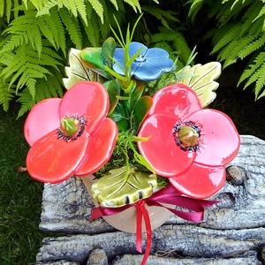 """,Pipacsok """"Kerámia Virágos  Asztaldísz(a), Otthon & Lakás, Dekoráció, Asztaldísz, Fehér agyagból aprólékos kézi munkával készült kerámia virágok ,levelek  melyeket második égetés elő..., Meska"""
