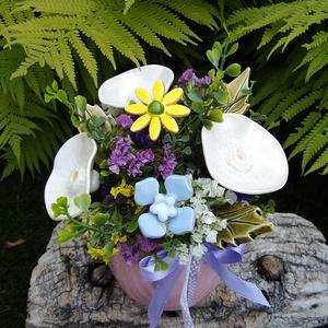 """,Névnapi Köszöntő""""Kerámia Virágos  Asztaldísz, Otthon & Lakás, Dekoráció, Asztaldísz, Fehér agyagból aprólékos kézi munkával készült kerámia virágok ,levelek  melyeket második égetés elő..., Meska"""