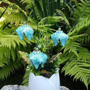 """,Harangvirágok""""Kerámia Virágos  Asztaldísz, Otthon & Lakás, Dekoráció, Asztaldísz, Fehér agyagból aprólékos kézi munkával készült kerámia virágok ,levelek  melyeket második égetés elő..., Meska"""