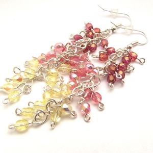 Borzas fülbevaló - sárga, rózsaszín, Ékszer, Fülbevaló, Napsugarakat igéző színekből állítottam össze ezt az ezüstözött ékszerdrótból és csiszolt üveggyöngy..., Meska