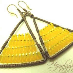 Sárga zizegő háromszög (hajnalgyongy) - Meska.hu