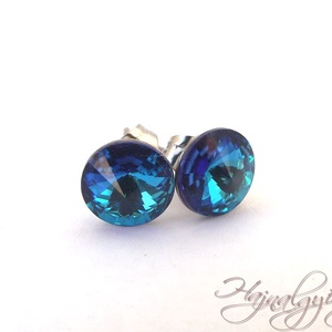 Swarovski bedugós fülbevaló - BERMUDA BLUE/nemesacél/ , Ékszer, Fülbevaló, Pötty fülbevaló, 8 mm-es Swarovski RIVOLI  kristályt ölel körbe a nemesacél (304) foglalat. A kék különböző árnyalata..., Meska